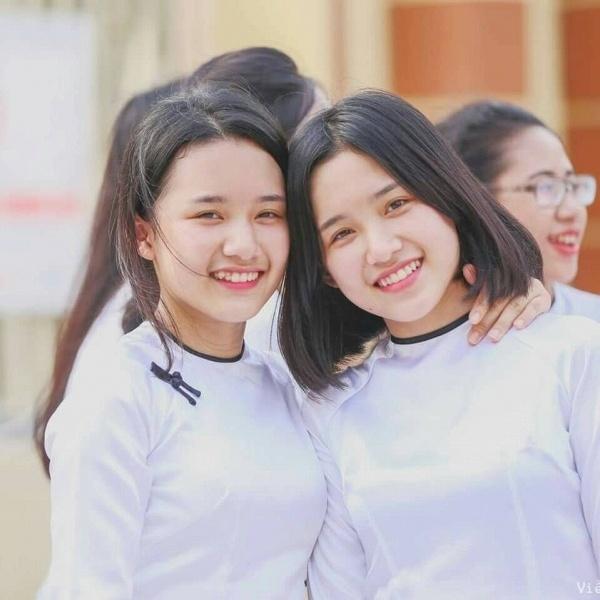 Chi em song sinh Hai Phong cover 'Co em cho' hinh anh 3