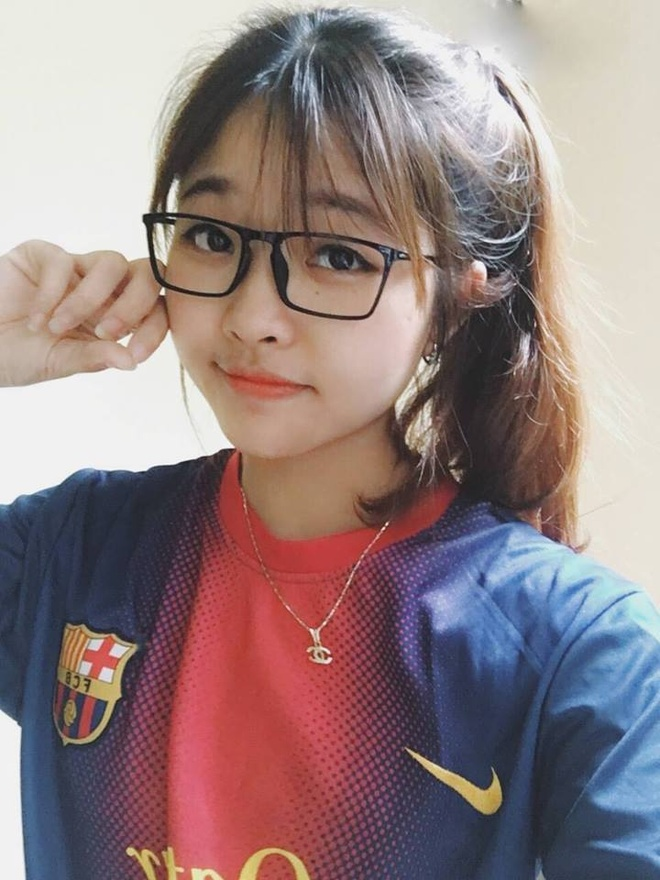 9X xinh dep gay an tuong voi man ve chan dung Lionel Messi hinh anh 5