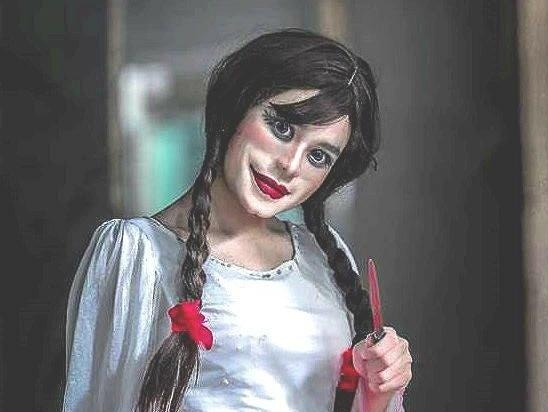 9X Sai Gon bi nem da khi cosplay Annabelle lai giong Michael Jackson hinh anh