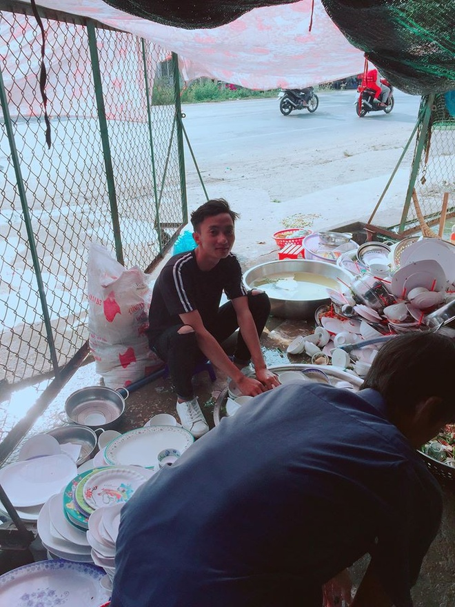 Chang trai rua 10 mam bat trong lan dau ra mat nha ban gai hinh anh 2