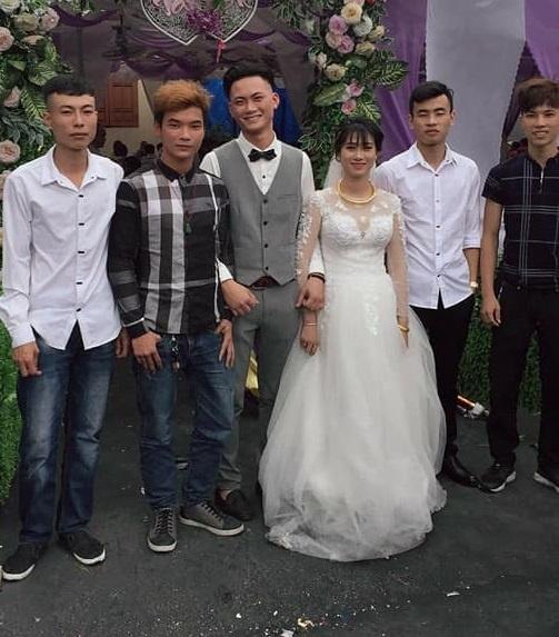 Cau chuyen dang sau doi chan lam lem cua co dau Quang Ninh hinh anh 2