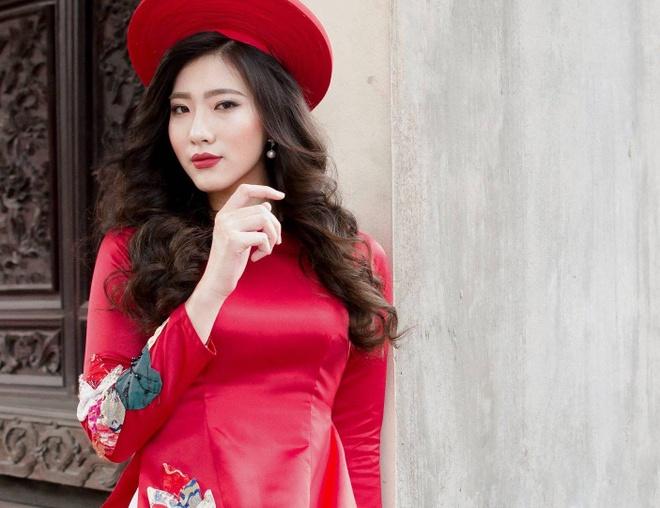 Hoa khoi Bao chi cao 1,75 m: 'An tuong voi ban trai hon minh' hinh anh 1