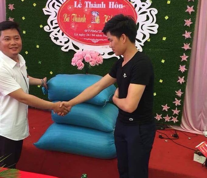 Chu re Thanh Hoa duoc mung cuoi bang 3 bao tai thoc hinh anh 1