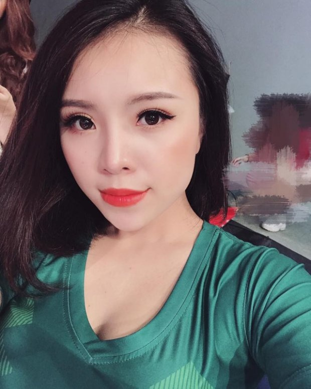 Hot girl co vu World Cup duoc chu y khi dong 'Quynh bup be' hinh anh 2