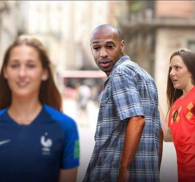 Anh che 'chuyen xe tinh yeu' cua Messi don them Lukaku cung dong doi hinh anh 3