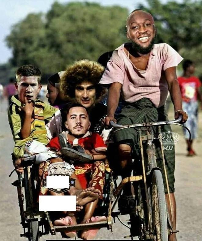 Anh che 'chuyen xe tinh yeu' cua Messi don them Lukaku cung dong doi hinh anh 2