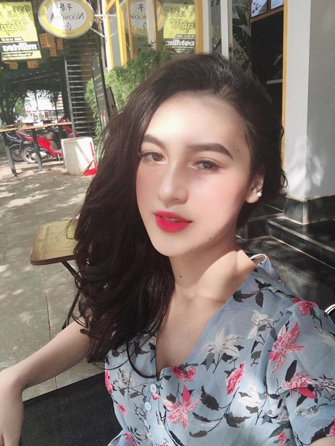 Thieu nu E De xinh nhu hot girl, cao 1,70 m, thuong bi nham la con lai hinh anh 6