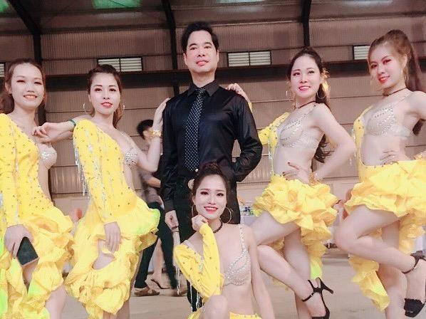 Chu re Vinh Phuc: So loi ban tan ve dam cuoi xa hoa anh huong toi vo hinh anh