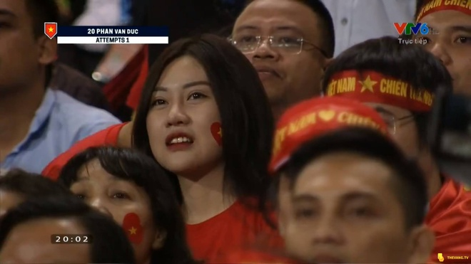 Nu CDV tang follow Facebook lien tuc nho noi bat tren san My Dinh hinh anh 1