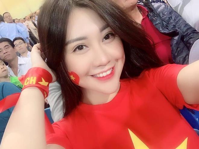 Nu CDV tang follow Facebook lien tuc nho noi bat tren san My Dinh hinh anh