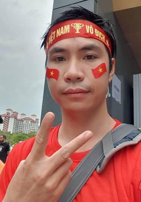 CDV Viet mot minh ngoi o khan dai Malaysia: Chi dam vui trong am tham hinh anh 1