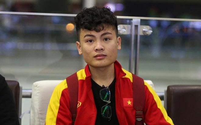 Anh trai Quang Hai co ve ngoai nam tinh, lam tho xam o Ha Noi hinh anh