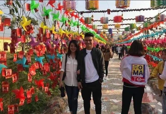 Dung Valentine, cau thu Xuan Manh cong khai nguoi yeu xinh dep hinh anh 3