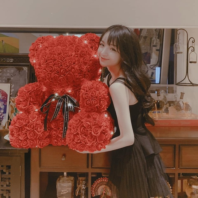 Nguoi yeu em thieu gia Phan Thanh khoe qua Valentine khong lo hinh anh 1