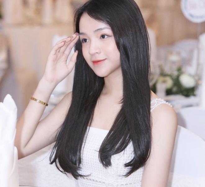 Nguoi yeu em thieu gia Phan Thanh khoe qua Valentine khong lo hinh anh 5