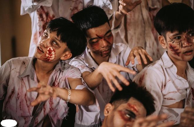 Teen Ha Noi gay tranh cai khi hoa trang thanh zombie chup anh ky yeu hinh anh 9