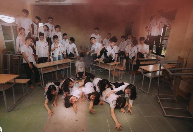 Teen Ha Noi gay tranh cai khi hoa trang thanh zombie chup anh ky yeu hinh anh 8