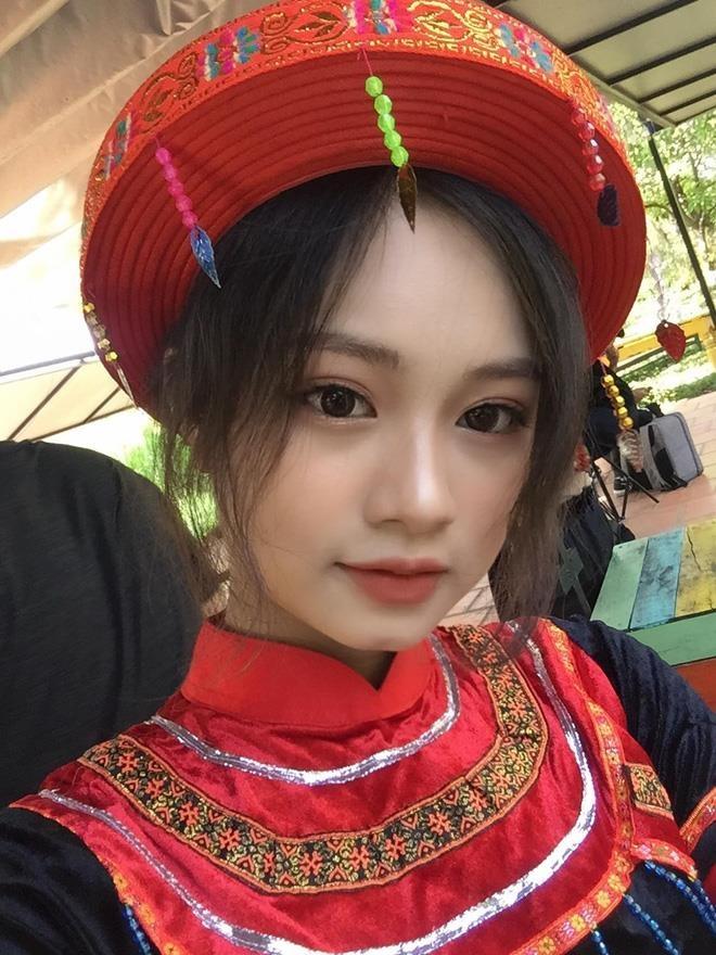 Nhan sac nu sinh hoa than thanh Mi trong bo ky yeu 'Vo chong A Phu' hinh anh 7