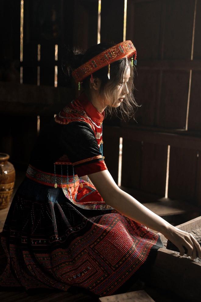 Nhan sac nu sinh hoa than thanh Mi trong bo ky yeu 'Vo chong A Phu' hinh anh 3