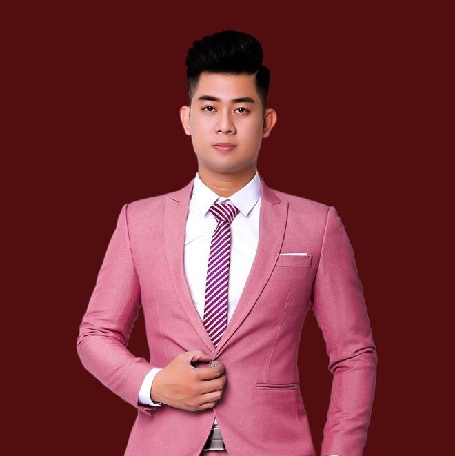 Hoài Thanh tham gia chương trình hẹn hò cùng 3 cô gái xinh đẹp.