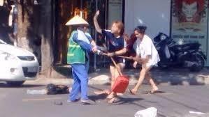 Chu cua hang danh nu lao cong o Quang Tri bi phat 2,5 trieu dong hinh anh 1