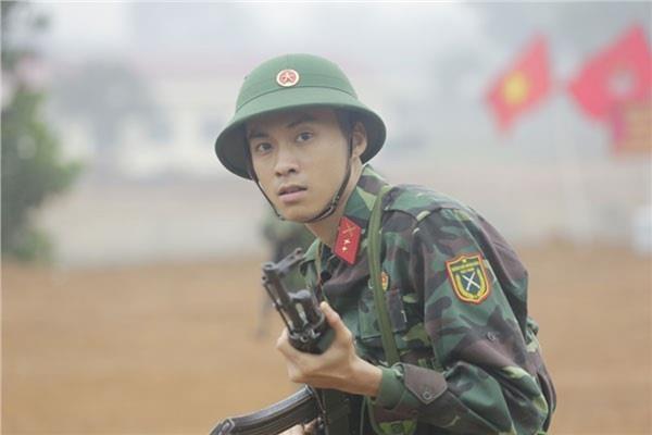 Hot boy Vuong Anh Ole bi 'nem da' vi xuat hien trong 'Ve nha di con' hinh anh 2