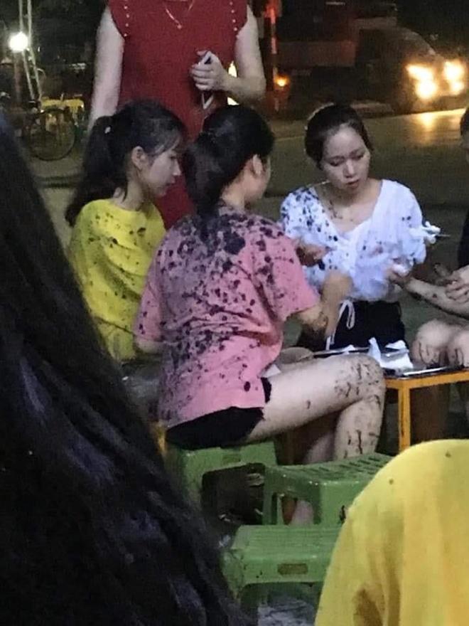 Khách hàng ngồi uống trà chanh bị ném phân trộn dầu nhớt ở Thái Nguyên