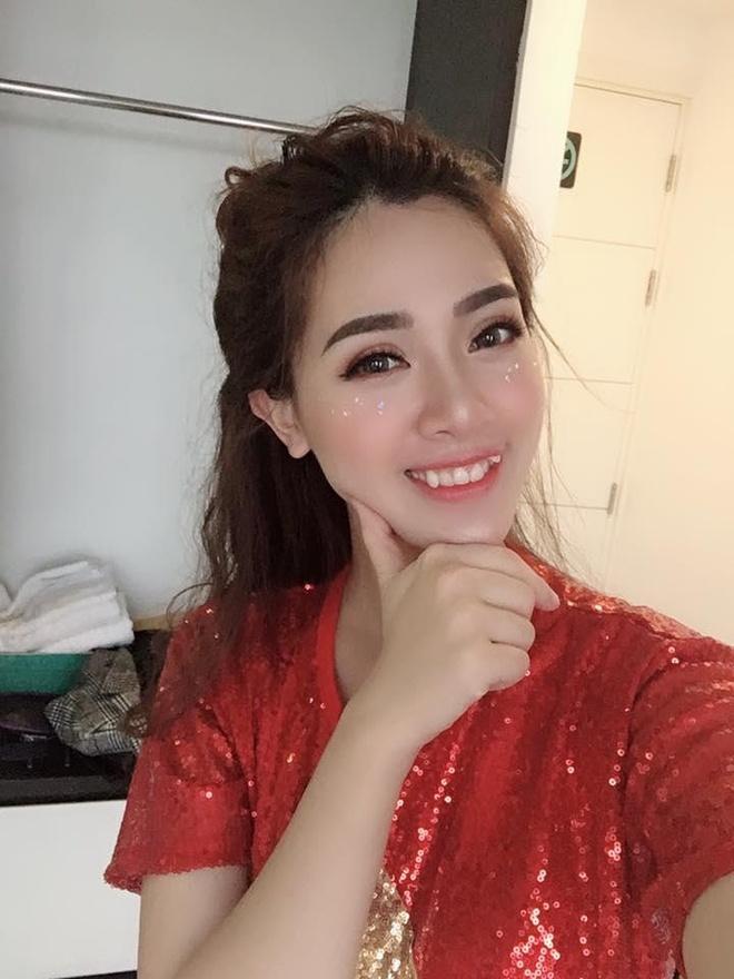 Hot girl Ha Min duoc khen xinh dep khi mang bau lan 2 hinh anh 3