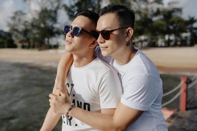 Cap LGBT tung duoc nguong mo trong 'Nguoi ay la ai' da chia tay hinh anh 4