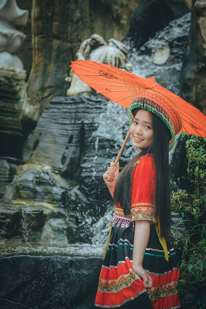 Nhan sac co gai 2002 dang quang hoa khoi hoc sinh, sinh vien Da Nang hinh anh 5 81426578_2243049679323662_8464489313227243520_n.jpg