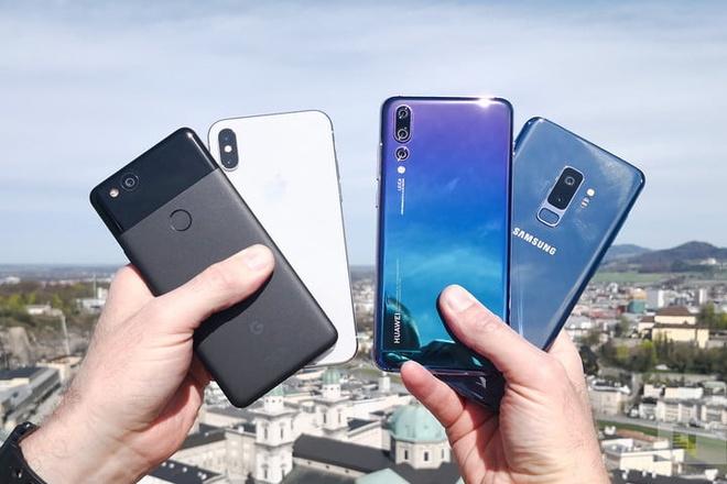 Apple, Samsung, Huawei - smartphone hang nao sac nhanh nhat? hinh anh