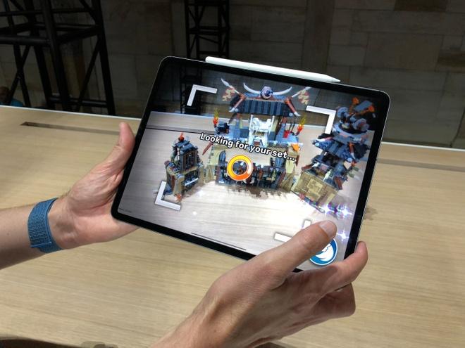 Hieu nang iPad Pro manh ngang MacBook 2.800 USD hinh anh