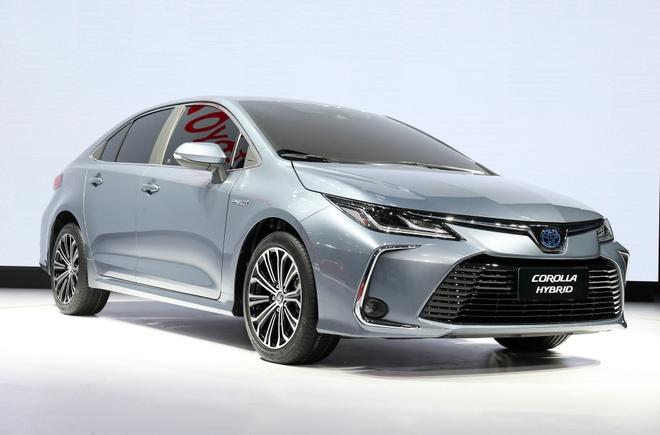 Chi tiet Toyota Corolla sedan 2020 hinh anh