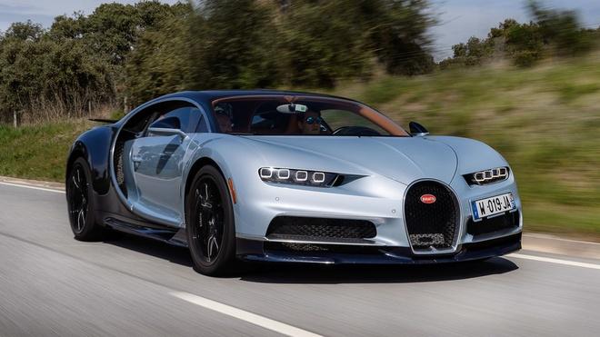 Chay 420 km/h, Bugatti Chiron gam ru nhu phan luc hinh anh