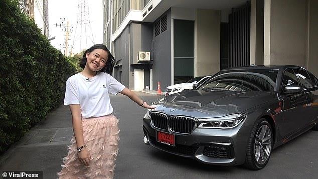 Vlogger Thai mua BMW 7 Series mung sinh nhat 12 tuoi hinh anh 1