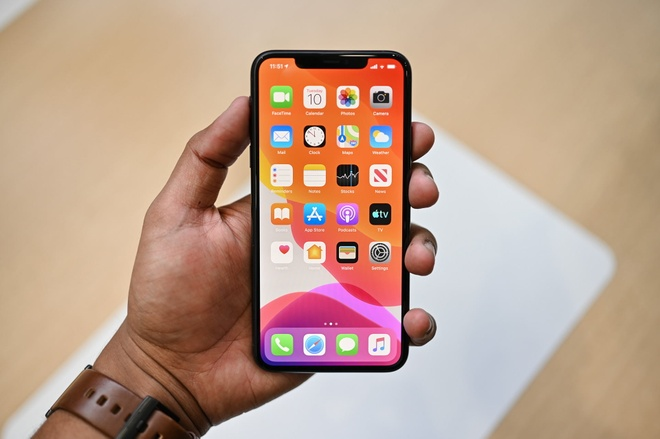 iPhone 11 Pro la vua hieu nang, manh ngang may tinh hinh anh 1