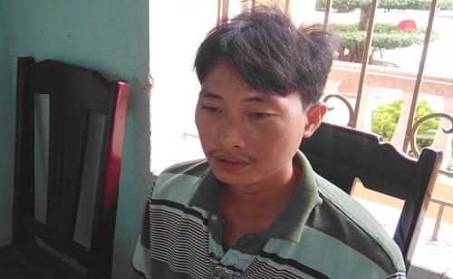 Hon chien vi dan vit, 3 nguoi bi chem nhap vien hinh anh 1 Lê Văn Tân tại cơ quan điều tra. Ảnh: Đình Hợp.