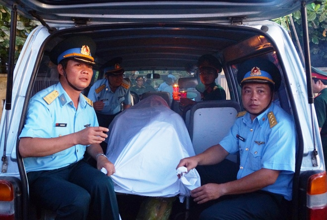 Phi cong Tran Quang Khai da ve den dat lien hinh anh 1