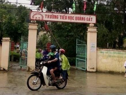 Phu huynh o Thanh Hoa phai dong tien cat tia cay canh hinh anh