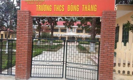 Hieu truong phu nhan cho hoc sinh nghi de di le chua hinh anh 1