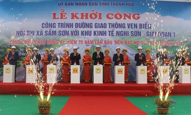 Chu tich nuoc du le khoi cong duong ven bien Thanh Hoa hinh anh 2