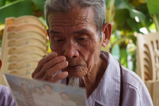 Loi khan cau cua gia dinh du hoc sinh Nguyen Dinh Quan hinh anh
