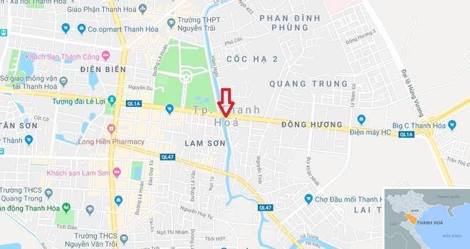 Con do xu Thanh no sung gay nao loan duong pho hinh anh 2