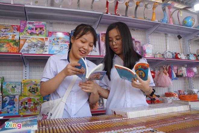 Trien lam sach tai Thanh Hoa thu hut dong dao doc gia tham du hinh anh 4