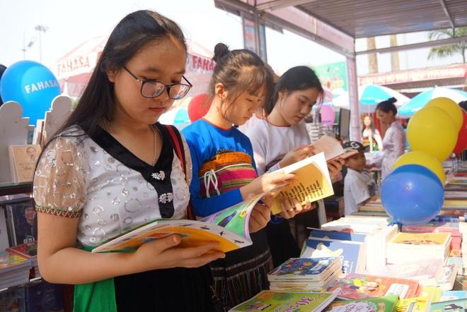 Khai mạc triển lãm sách tại Thanh Hóa