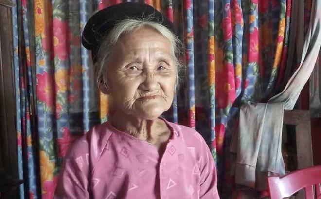 Clip cụ bà 83 tuổi lên UBND xã xin thoát nghèo gây xôn xao