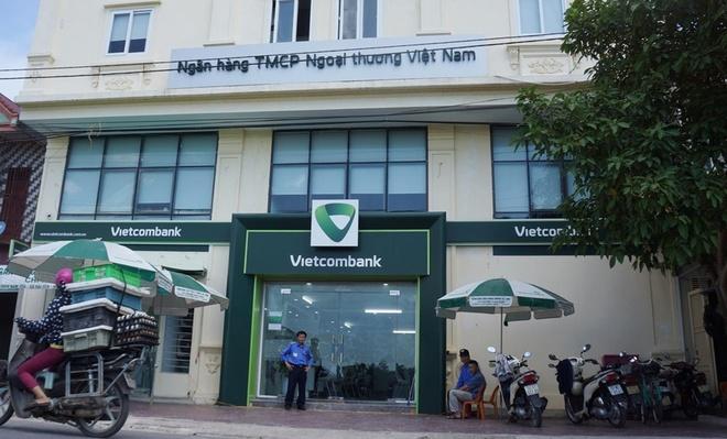 Nguoi xong vao ngan hang Vietcombank no sung la thuong uy cong an hinh anh 1