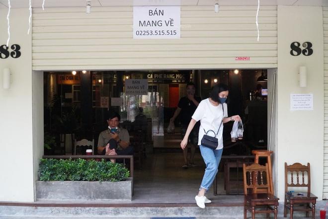 hang-quan-tai-hai-phong-dong-loat-chuyen-sang-ban-mang-ve