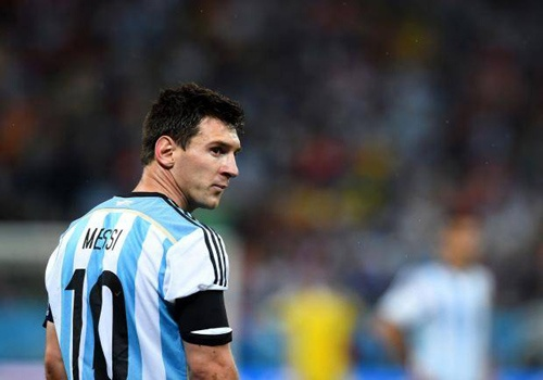 Quyen luc cua Messi thao tung DT Argentina? hinh anh
