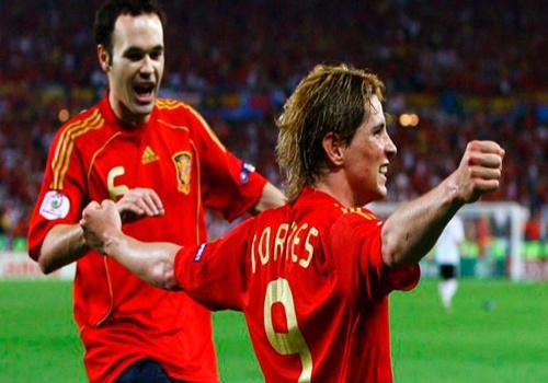 Noi buoc Iniesta, Torres toi Nhat Ban? hinh anh